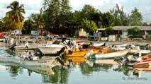 La pêche est l'une des activités de Port-Louis en Guadeloupe.