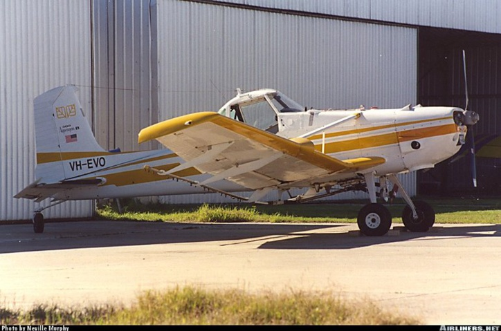 Le Cessna 188 fabriqué par Cessna Aircraft Company (USA)