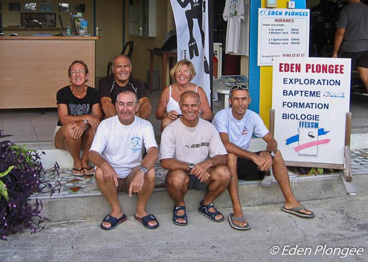 Une équipe de moniteurs passionnés aux service des plongeurs.