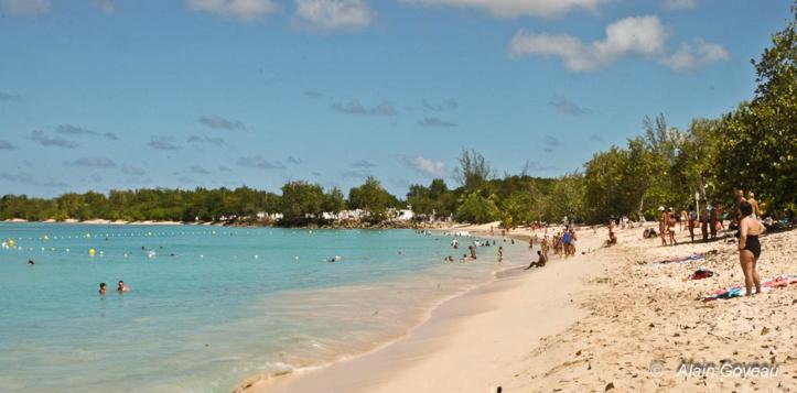 La plage du Souffleur de Port-Louis. La plus belle de Guadeloupe.
