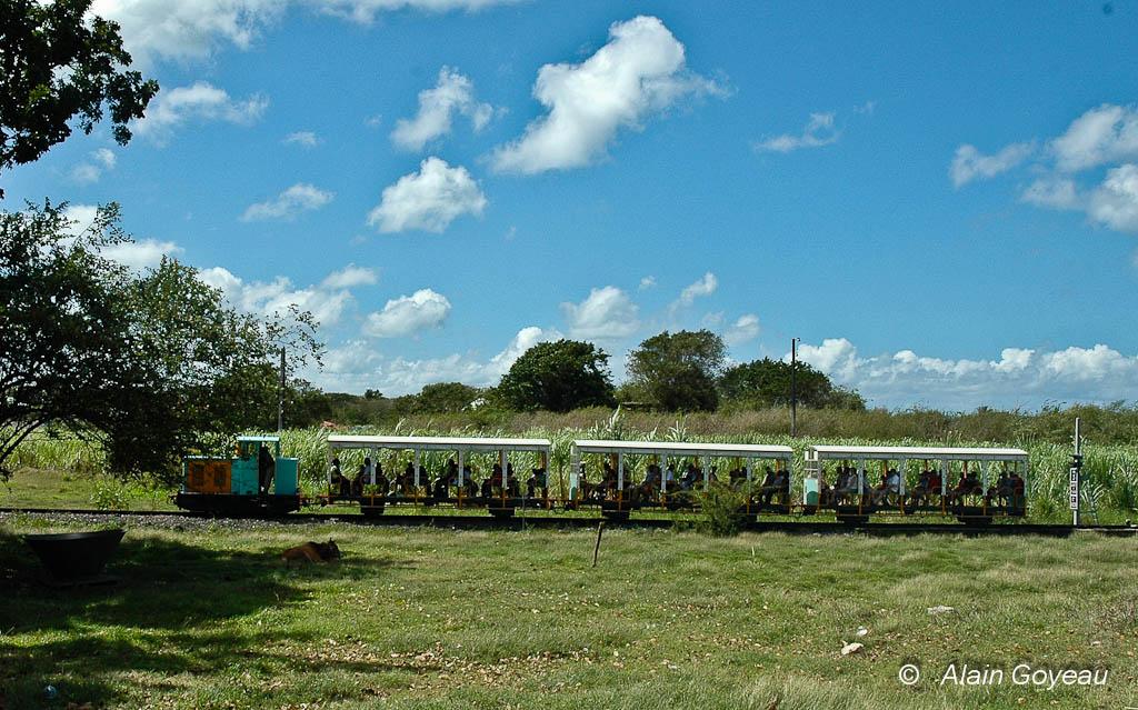 Le petit train du Musée de la canne à Beauport à Port Louis.